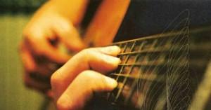 Mani-su-chitarra
