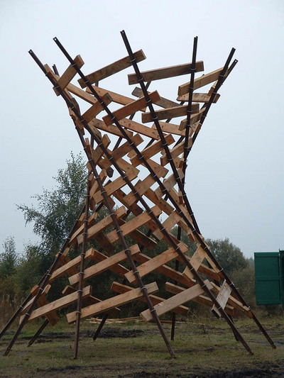 0_tower_sculpture_onsite